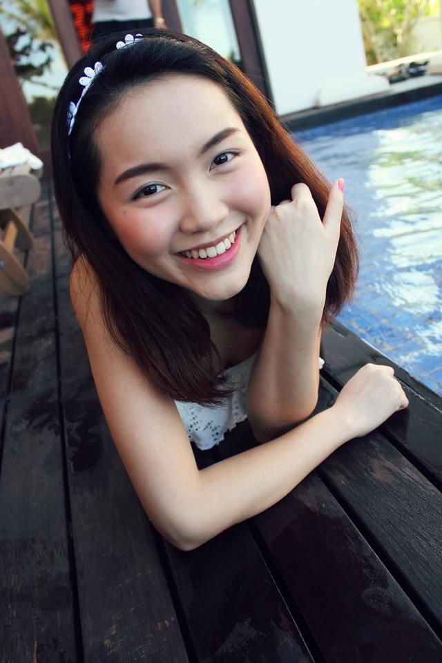 'Chị em sinh đôi' của Văn Mai Hương giống Hà Tăng như đúc