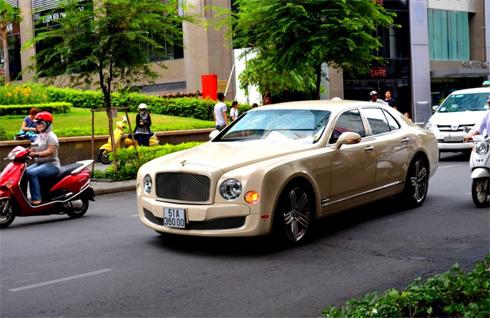 Bentley Mulsanne ở Việt Nam lên báo nước ngoài