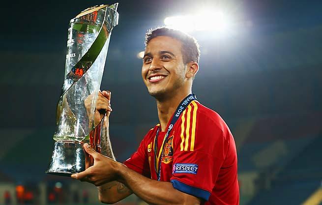 Tài năng trẻ Thiago Alcantara đã tỏa sáng rực rỡ tại VCK U21 châu Âu và giúp U21 bảo vệ ngôi vô địch