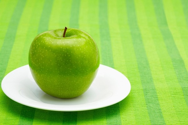 9 thực phẩm trị táo bón cho mẹ bầu - 3