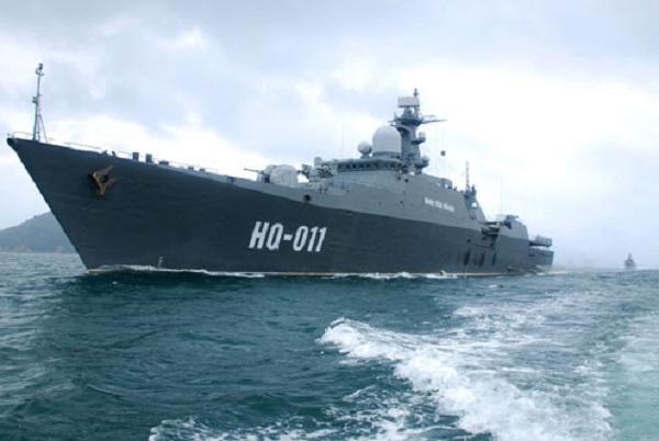 Tàu hộ vệ tên lửa Đinh Tiên Hoàng mang số hiệu HQ-011. Ảnh: Trọng Thiết