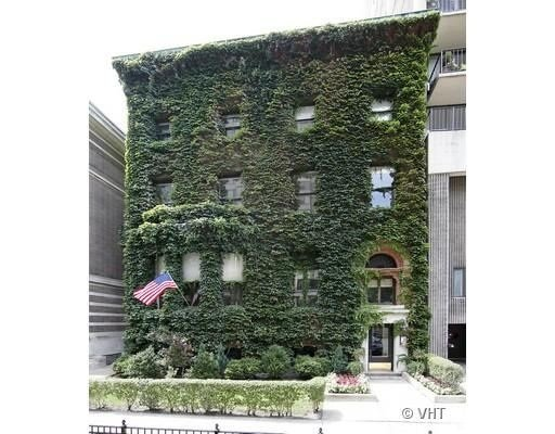 Frederick Hampden Winston, founder of international law firm Winston & Strawn, lived in this ivy-covered Chicago home.