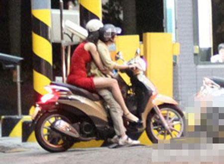 Sao Việt và những kỷ niệm cùng... xe máy 14