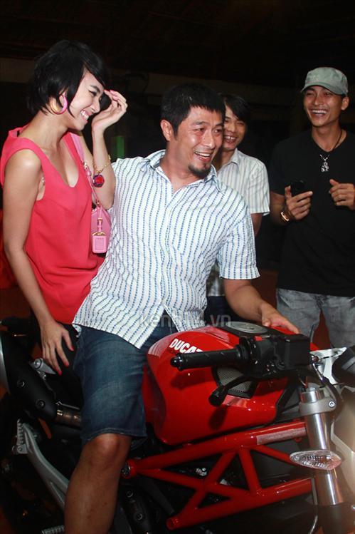 Sao Việt và những kỷ niệm cùng... xe máy 19