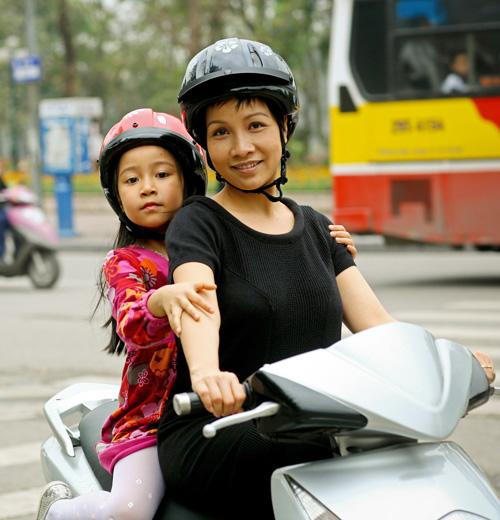 Sao Việt và những kỷ niệm cùng... xe máy 24