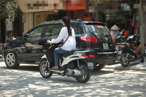 Sao Việt và những kỷ niệm cùng... xe máy 26