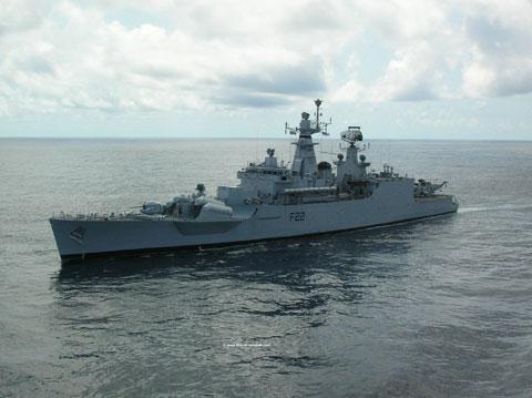 Khinh hạm tên lửa lớp Godvari (3 chiếc) có lượng giãn nước 3.850 chiếc. Đây là lớp tàu được đóng từ những năm 1980 nên có phần hạn chế về hỏa lực, nó chỉ có 4 tên lửa hành trình SS-N-2D Styx tầm bắn ngắn, độ chính xác kém.