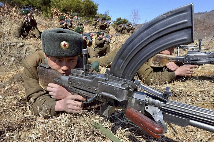 Cận cảnh vũ khí bộ binh Triều Tiên