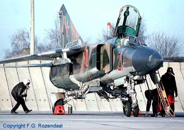Máy bay tiêm kích đánh chặn Mig-23MLD thuộc nhóm Истребитель-перехватчик (Photo of www.airwar.ru)