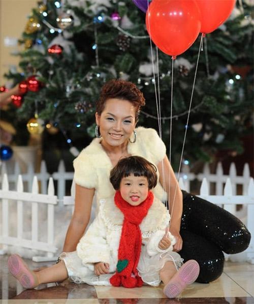 Thái Thùy Linh: Không hổ thẹn là mẹ đơn thân - 2