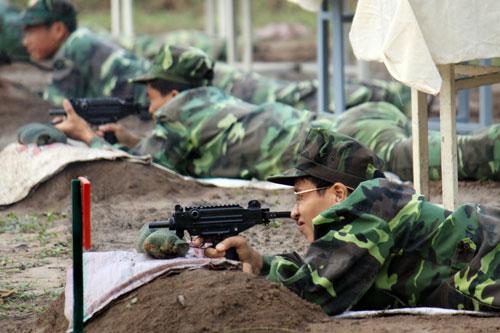 Những mẫu súng cận chiến trứ danh trên thế giới