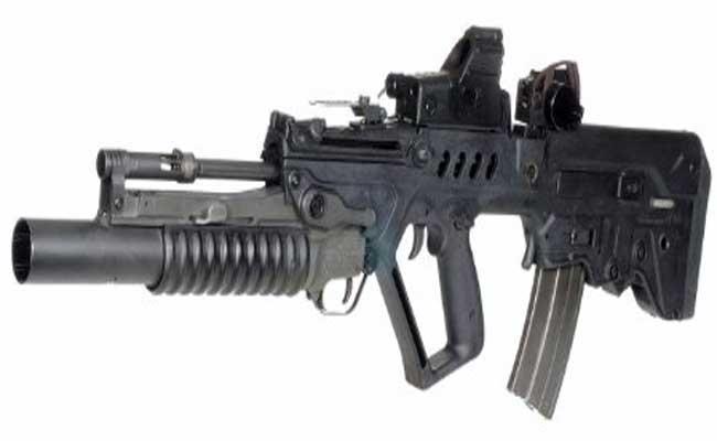 Phiên bản GTAR-21 có các đặc điểm giống bản tiêu chuẩn, chỉ khác là nòng súng được lắp thêm ống phóng lựu 40 mm M203.