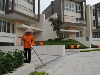 Một khu biệt thự của dự án Nam Thăng Long đang hoàn thiện. Ảnh: Tuấn Minh