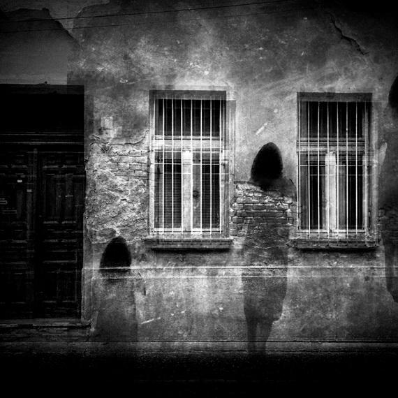 """Bí ẩn những ngôi nhà ma sau sự cố """"động mồ, động mả"""""""