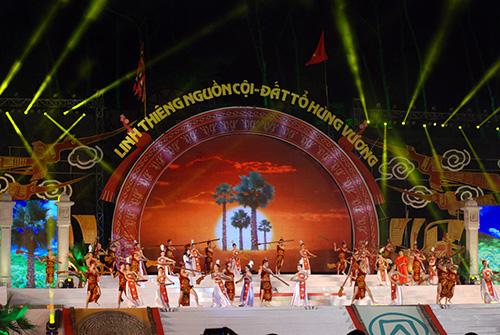 Chính thức khai mạc Lễ hội Đền Hùng