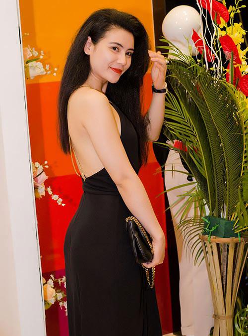 """""""Nghi án"""" diễn viên Quỳnh Hoa cũng theo trào lưu độn cằm 1"""