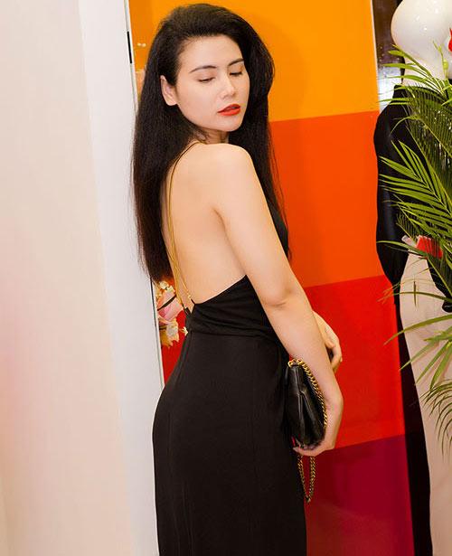 """""""Nghi án"""" diễn viên Quỳnh Hoa cũng theo trào lưu độn cằm 2"""