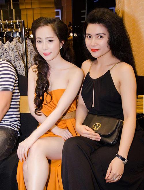 """""""Nghi án"""" diễn viên Quỳnh Hoa cũng theo trào lưu độn cằm 4"""