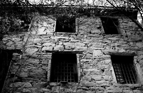 Fengnem: Ngôi làng ma ám đáng sợ nhất Trung Quốc