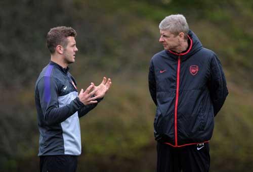 """Không có trung thần, Wenger """"bói"""" đâu ra vinh quang!?"""