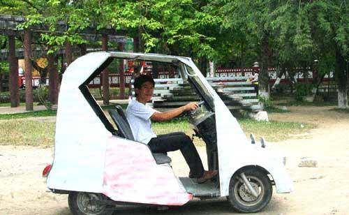 Mẫu xe điện tự chế của Nguyễn Thanh Việt.