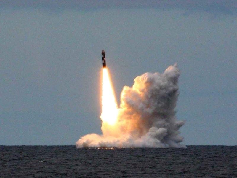 Tên lửa đạn đạo Bulava phóng từ tàu ngầm hạt nhân chiến lược