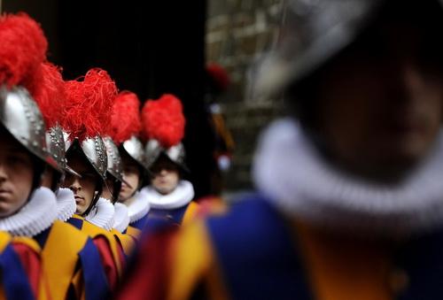 Vệ binh Thụy Sĩ của Giáo hoàng – Họ là ai?