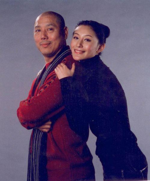 Điểm mặt cặp đôi chồng già vợ trẻ Hoa ngữ không khác bố con