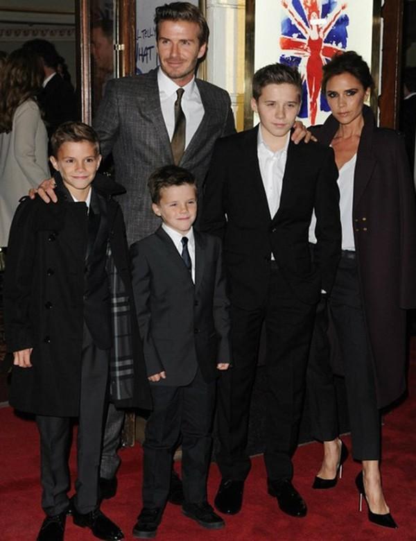 Bạn Victoria thích ngắm… David Beckham mặc nội y 4