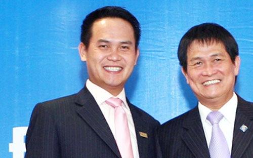 Ông Đặng Văn Thành (bên phải) và con trai Đặng Hồng Anh