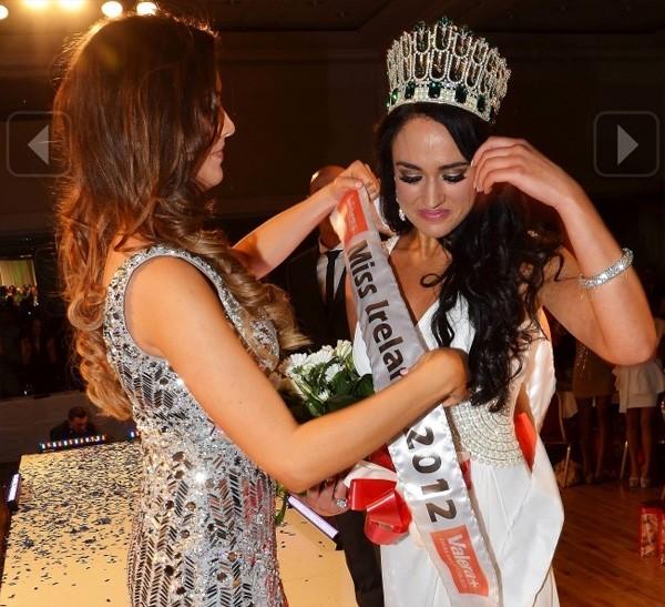 Những Hoa hậu mất vương miện vì lý do… lãng xẹt 5