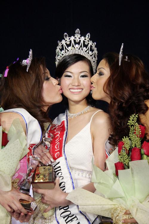 Những Hoa hậu mất vương miện vì lý do… lãng xẹt 8
