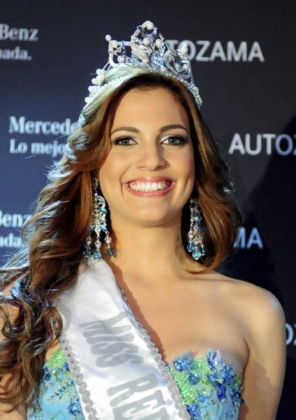 Những Hoa hậu mất vương miện vì lý do… lãng xẹt 9