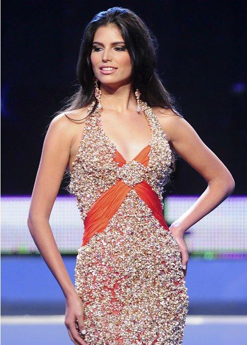 Những Hoa hậu mất vương miện vì lý do… lãng xẹt 10