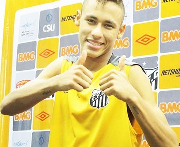 Neymar xăm hình mới mừng ngày đến Barca 3