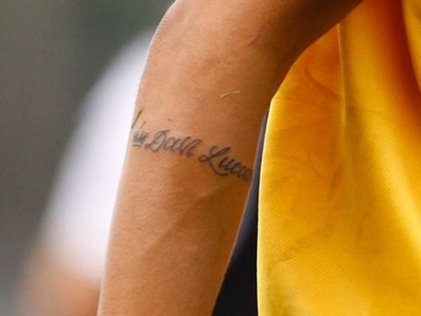 Neymar xăm hình mới mừng ngày đến Barca 5