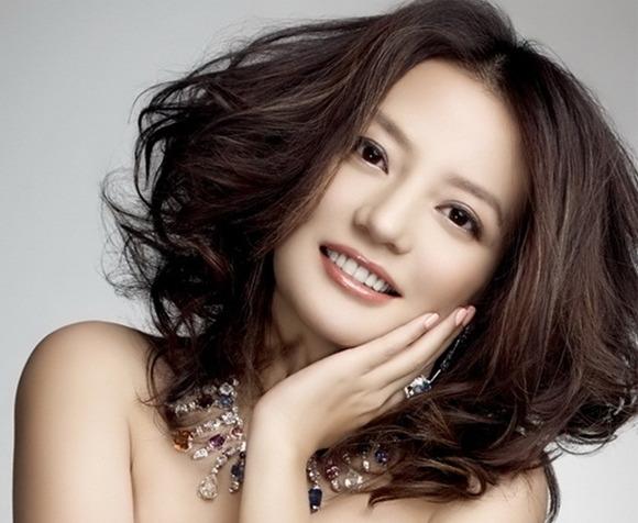 Triệu Vy - Nữ nghệ sĩ giàu có nhất Trung Quốc