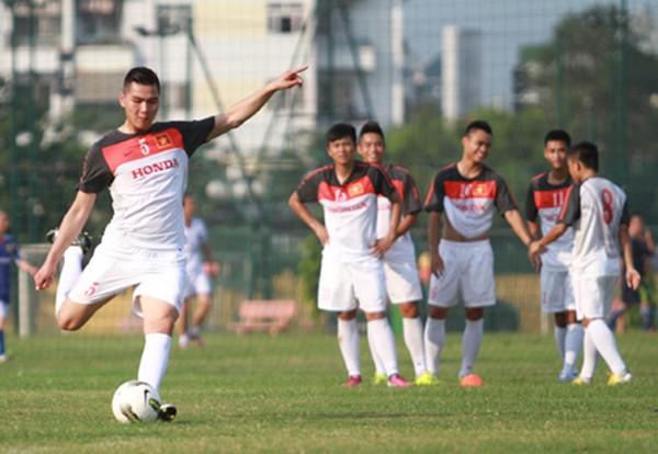 Những cầu thủ Việt kiều thất bại trong lần trở về quê hương 10