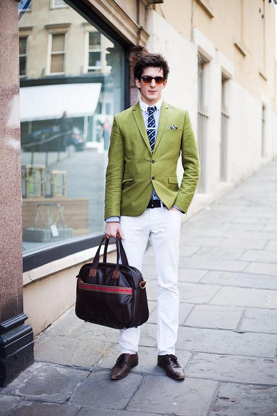 Cách trung hòa các trang phục màu sắc rực rỡ 3