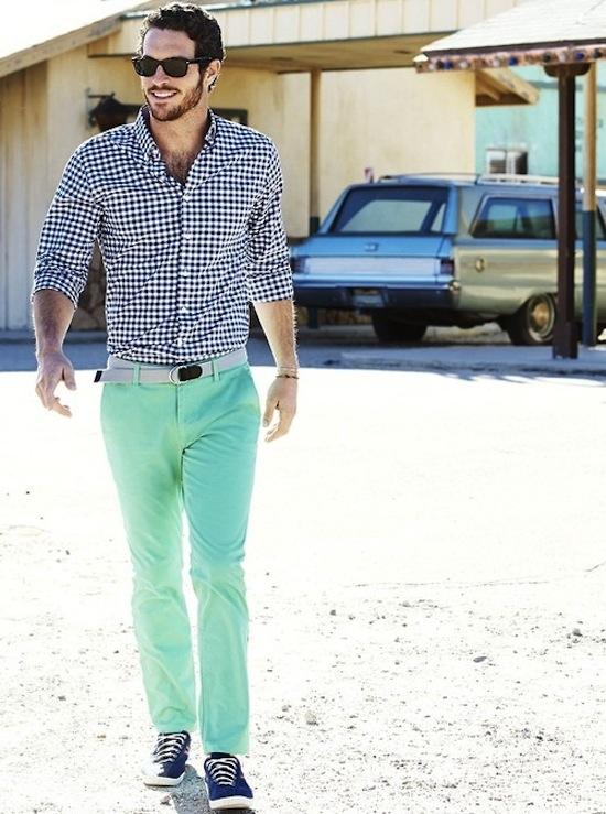 Cách trung hòa các trang phục màu sắc rực rỡ 4