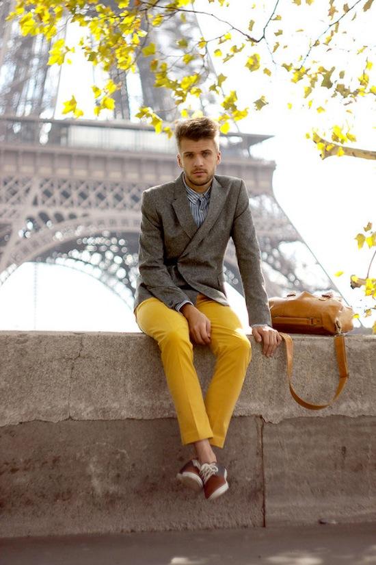 Cách trung hòa các trang phục màu sắc rực rỡ 10