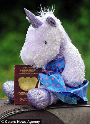 Đi du lịch bằng hộ chiếu hình ...chú kỳ lân