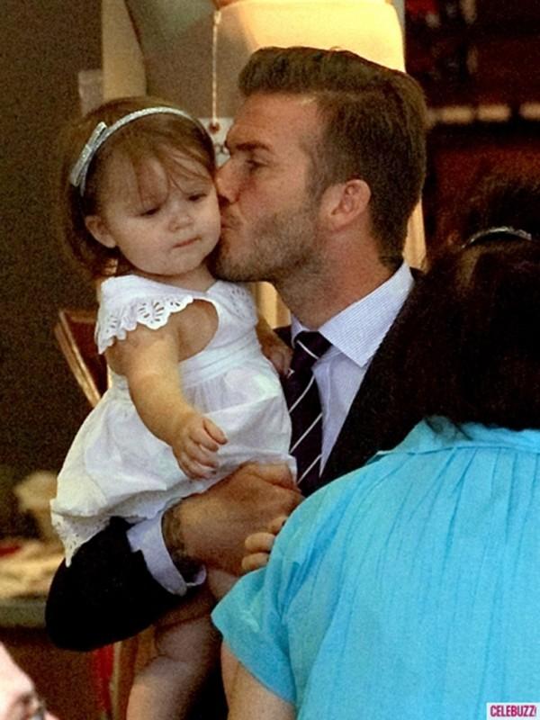 Harper Seven và những hình ảnh cực cute bên bố Becks 5
