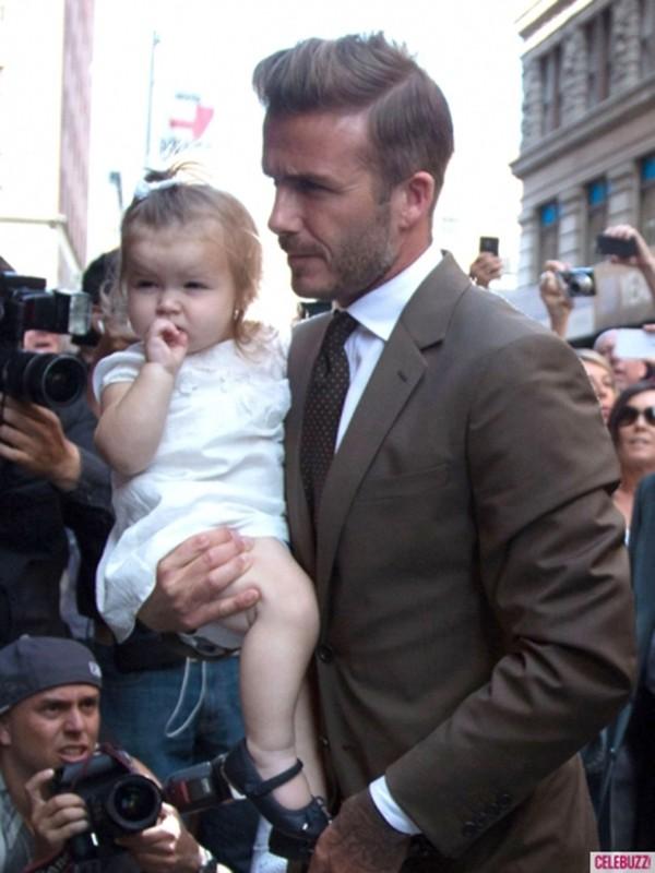 Harper Seven và những hình ảnh cực cute bên bố Becks 9