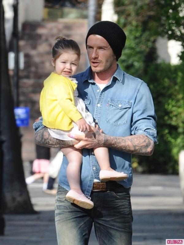 Harper Seven và những hình ảnh cực cute bên bố Becks 12
