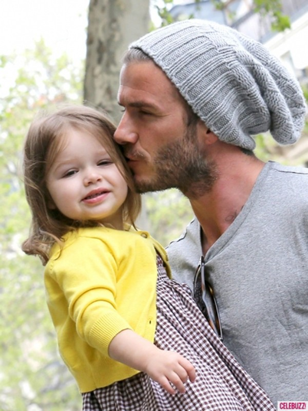 Harper Seven và những hình ảnh cực cute bên bố Becks 22