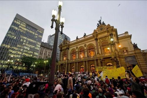 Brazil, biểu tình, phản đối, Dilma Rousseff