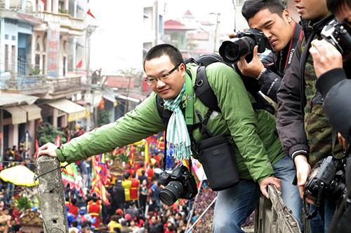 Trăm kiểu tác nghiệp của phóng viên ảnh