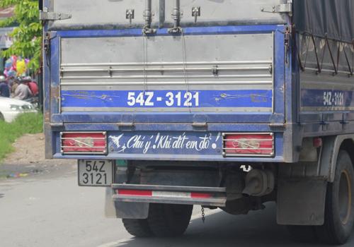 Những lời xin 'đừng hôn' khó đỡ của tài xế