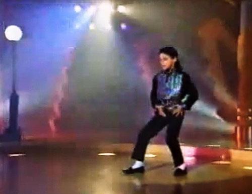 Michael Jackson lạm dụng bé trai 7tuổi trong 7 năm liền